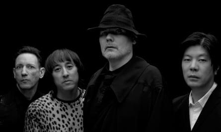 The Smashing Pumpkins ახალი ალბომიდან ერთ-ერთ კომპოზიციას ასრულებს